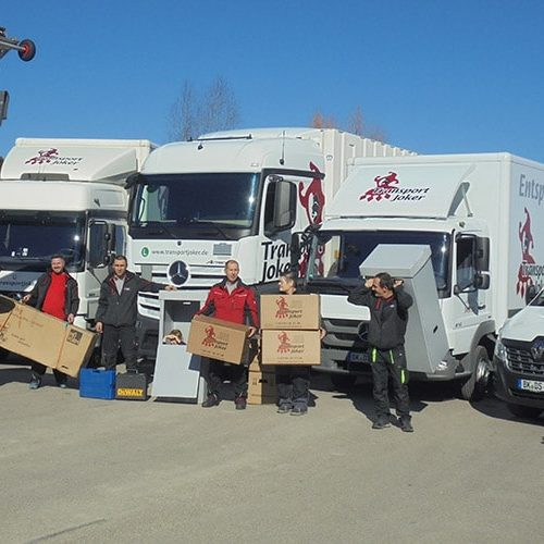 Team von Umzugsunternehmen Transport Joker GmbH bei einem Umzug